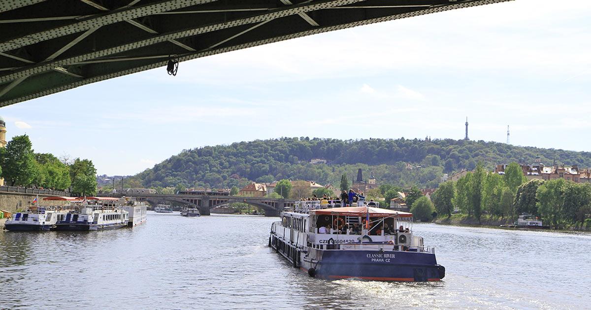 Flodkryssning i Prag