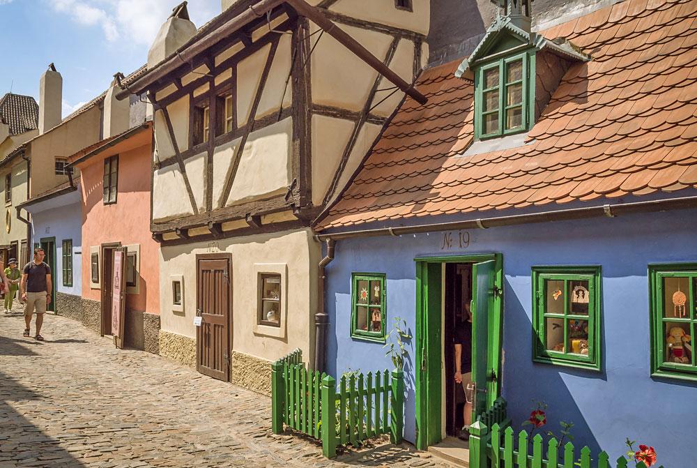 Gyllene gatan i Pragborgen (Foto: Flickr/anguskirk)