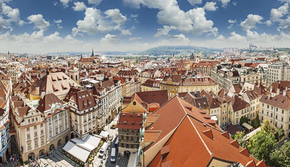 Prag på sommaren (Foto-MaciejBledowski-Dollarphotoclub_66669799