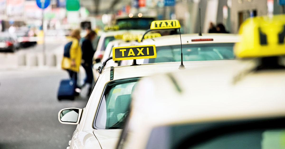Från flygplatsen i Prag - taxi eller buss?