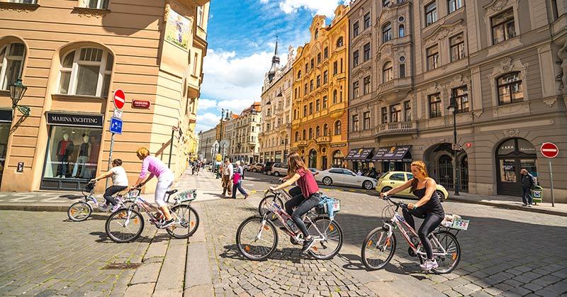 Cykla i Prag - hyr cykel eller ta guidad cykeltur