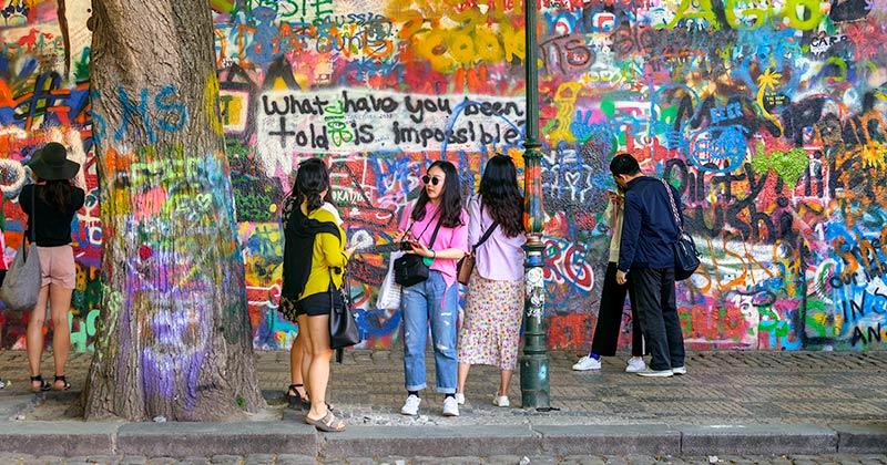 Lennon Wall - John Lennon-muren i Prag